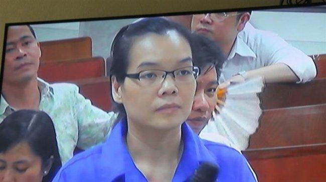 """[Chiều 19/12]: Các bị cáo đồng loạt """"tố"""" Huyền Như, xin được giảm án"""