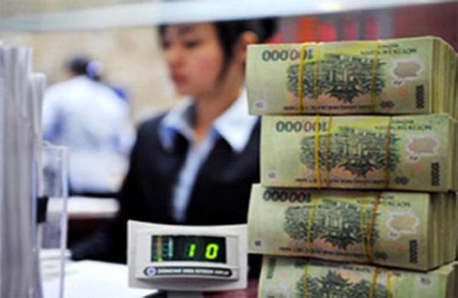 Lãi suất huy động giảm, ngân hàng lại càng lãi thêm?