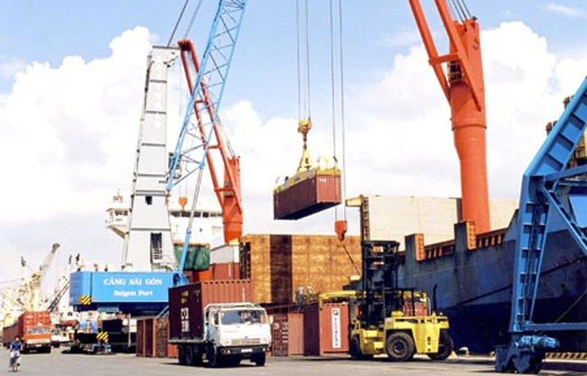 Nửa đầu tháng 11 nhập siêu 200 triệu USD; thặng dư thương mại giảm nhẹ