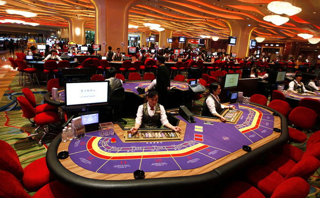 Kinh tế Trung Quốc suy yếu, doanh thu casino Macau thấp nhất 2 năm