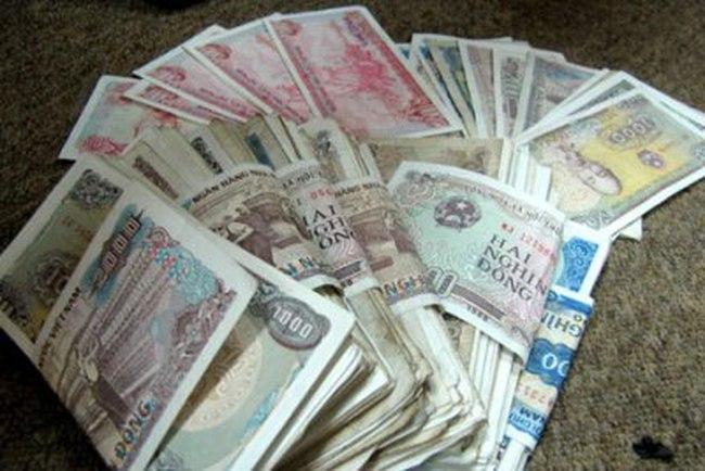 Video] Tiền lẻ VNĐ càng ngày càng mất giá