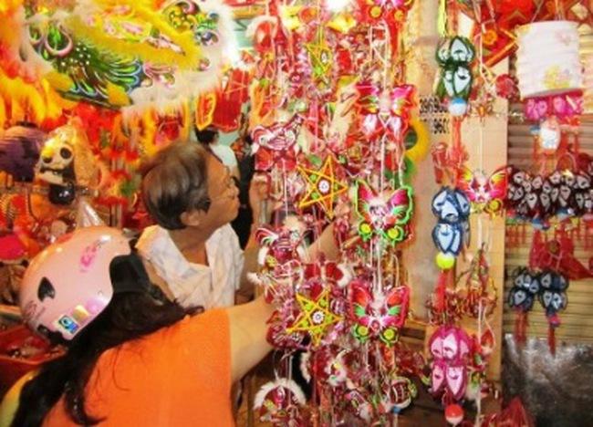 Hàng Trung Quốc lấn lướt trên thị trường đồ chơi trung thu