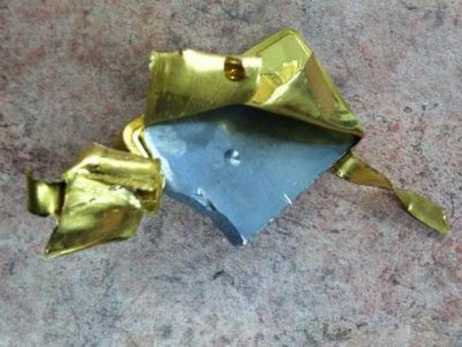 Choáng với cách thức làm vàng miếng giả trên thị trường quốc tế