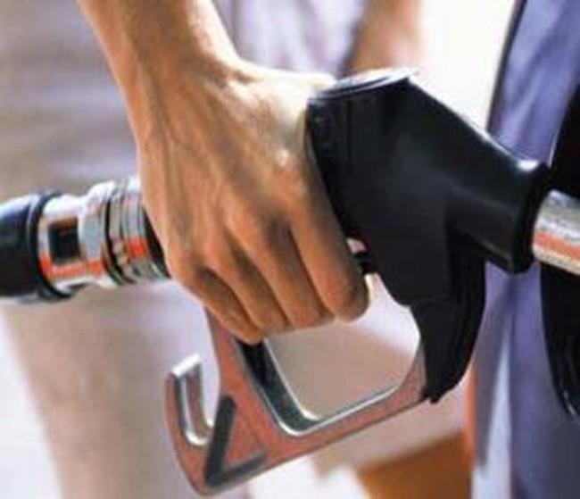Nhiều cửa hàng xăng dầu bị tước giấy phép vẫn ngang nhiên kinh doanh