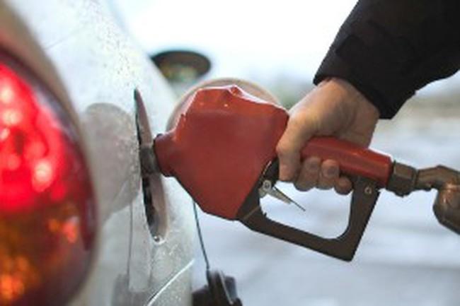 """Không thể không tăng giá xăng kiểu """"đánh úp"""""""