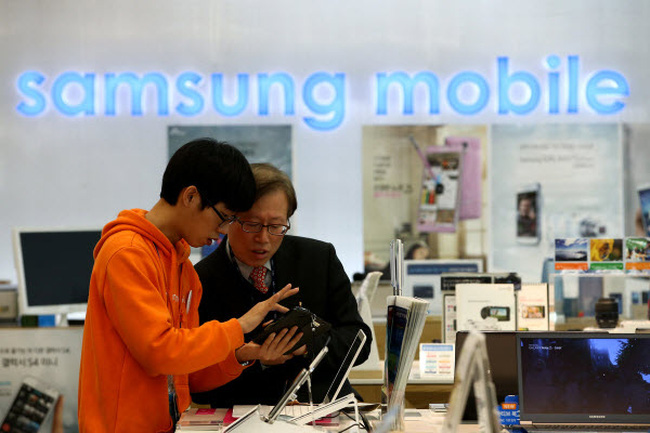 Samsung nhòm ngó thị trường ô tô vì lợi nhuận smartphone bão hòa