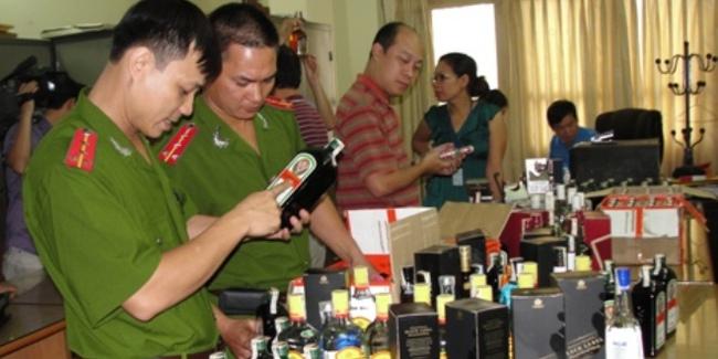 Thu giữ hơn 450 chai rượu ngoại không rõ nguồn gốc