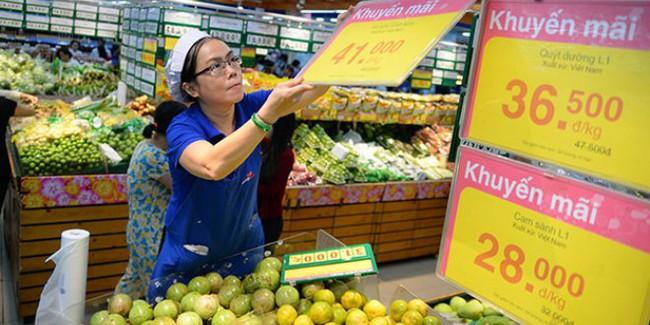 Siêu thị đồng loạt giảm giá trái cây, rau củ
