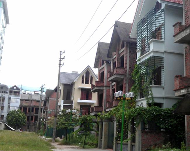 Chiêu bán nhà xây thô để giảm giá