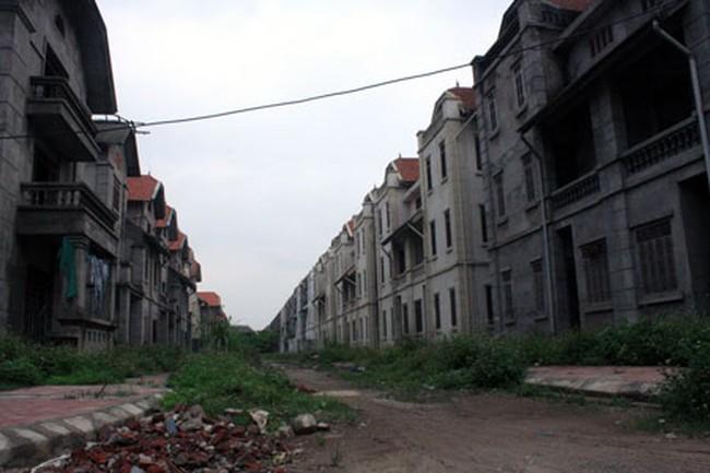 """Hà Nội la liệt khu đô thị """"ma"""""""