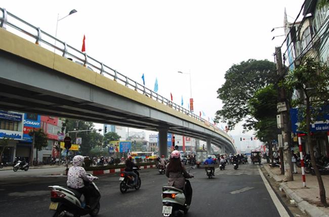 Ngắm cầu vượt nhẹ dài nhất Thủ đô
