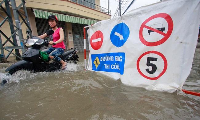 Nha Trang: đường ngập nặng vì dự án ì ạch