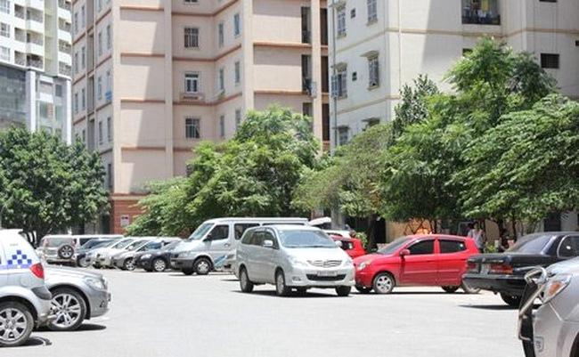 Bắt chẹt nhà giàu với phí gửi xe ôtô