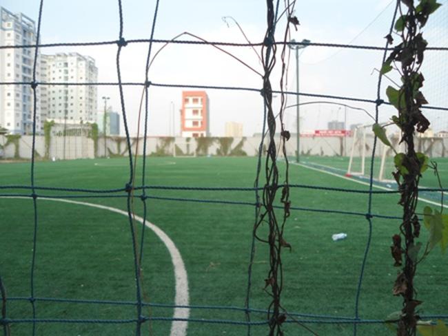 Đất vàng dự án biến thành sân bóng đá cho thuê