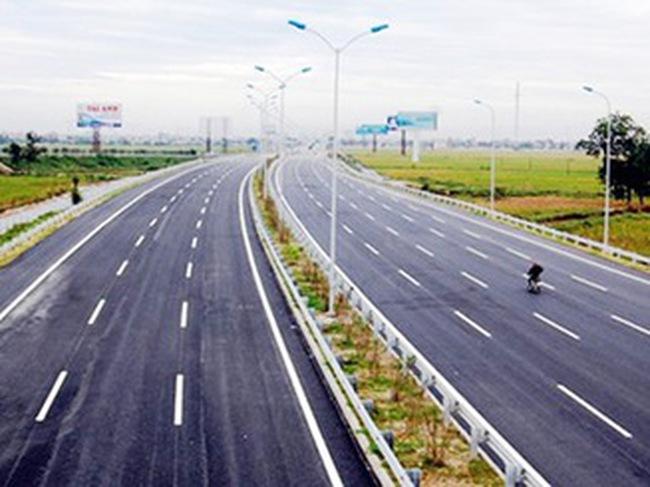 Cao tốc Cầu Giẽ - Ninh Bình lún nứt vì... cố đạt mục tiêu thông xe
