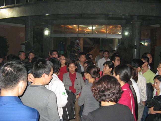 Người mua chung cư Xa La vây khách sạn Mường Thanh đòi quyền lợi