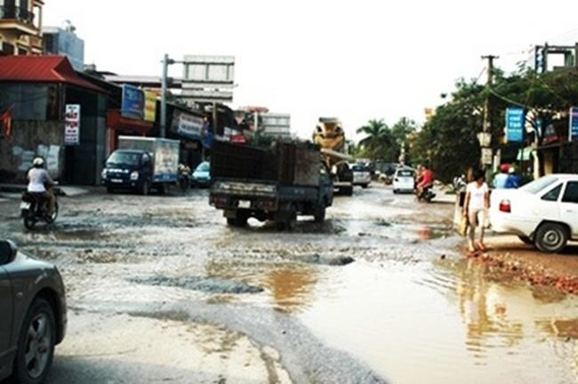 3 con đường 'đau khổ' nhất Hà Nội năm 2012