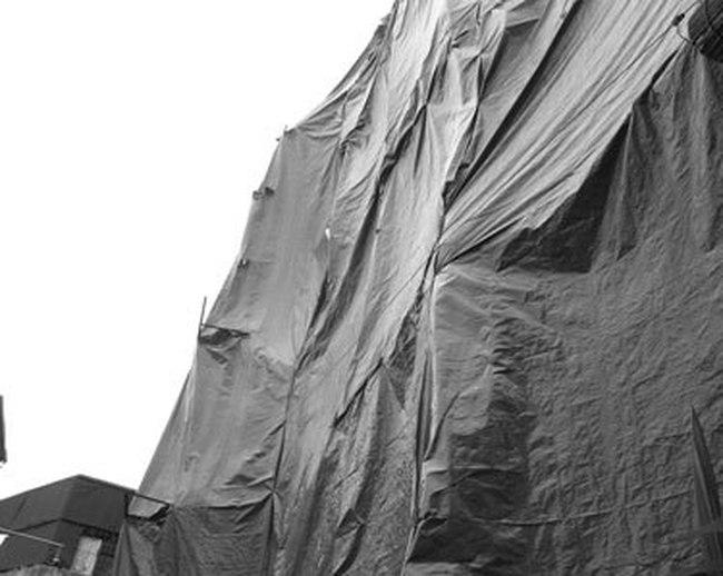 Công trình xây dựng tại ngõ 256 Đê La Thành: Vi phạm dài dài, xử lý... từ từ!