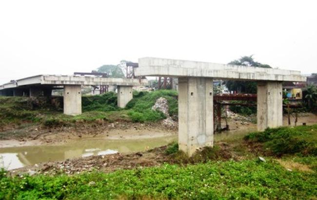 Công trình 2.700 tỷ đồng thi công dở rồi bỏ hoang