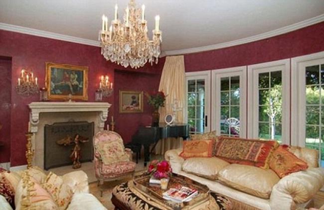 "Jessica Simpson sắp mua ""siêu biệt thự"" 13 triệu đô la Mỹ"