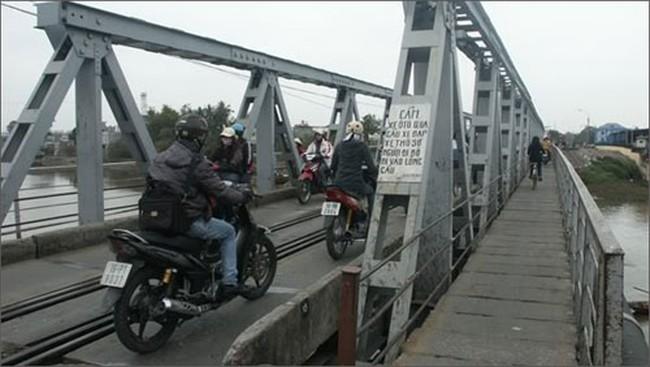 Quý II/2013, hoàn thành 3 cầu đường bộ tách khỏi đường sắt