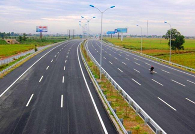 Hơn 1.000 km quốc lộ 1 được mở rộng 4 làn xe