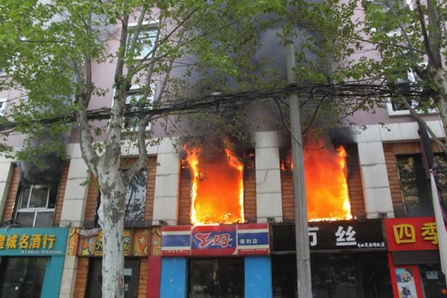 Trung Quốc: Cháy lớn tại khách sạn khiến hơn 60 người thương vong