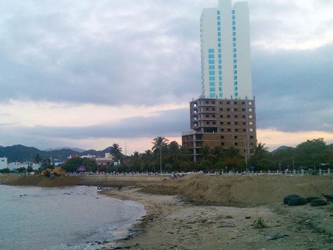 Lại tiếp tục lấp vịnh Nha Trang