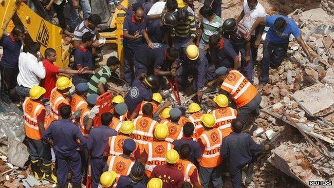 Sập 2 tòa chung cư làm 8 người chết tại Ấn Độ
