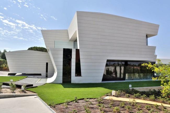 Ngắm kiến trúc mềm mại của căn biệt thự tại Tây Ban Nha