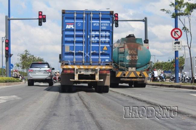 TPHCM: Đại lộ Đông – Tây tiếp tục lún nặng sau thời gian sửa chữa tạm thời