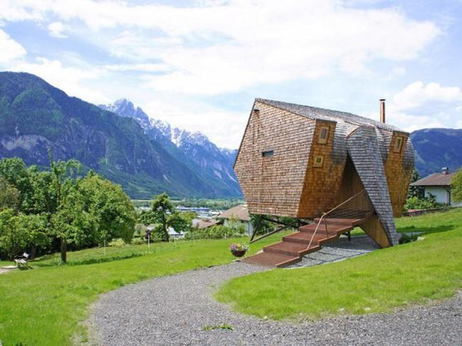 Căn nhà gỗ ngũ giác tuyệt đẹp trên núi