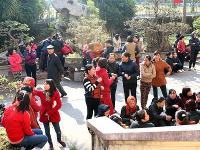 Hà Nội: Dân phản đối phá trường xây trung tâm thương mại