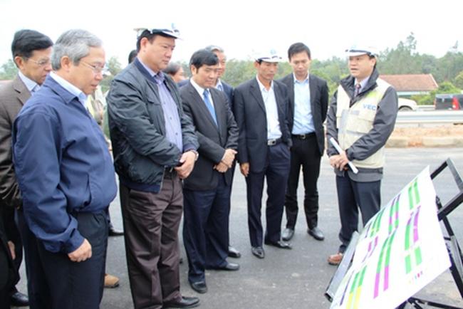 Bộ trưởng Đinh La Thăng thị sát đường cao tốc Nội Bài – Lào Cai