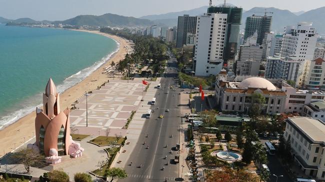 Quy hoạch phá nát bãi biển Nha Trang