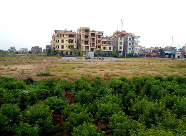 Hà Nội: Đất nền ngoại thành cạnh tranh với giá nhà chung cư