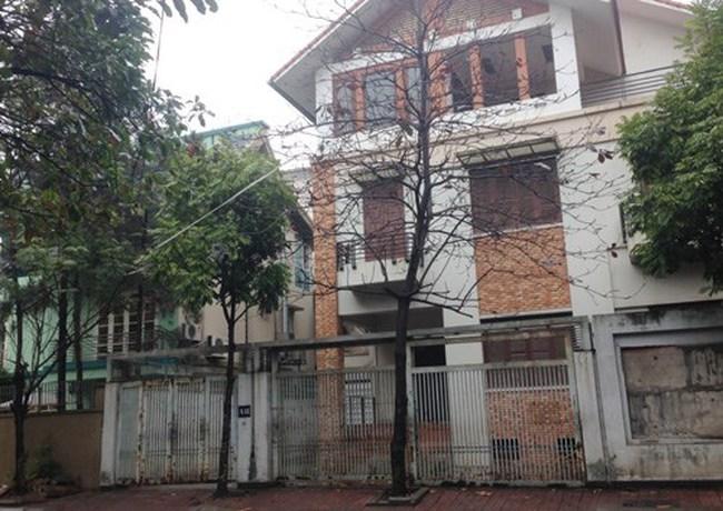 Tháo chạy khỏi biệt thự Trung Hòa - Nhân Chính