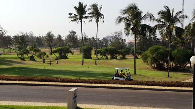 Số phận một sân golf
