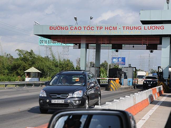 """Đường cao tốc """"ngốn"""" quá nhiều tiền!"""