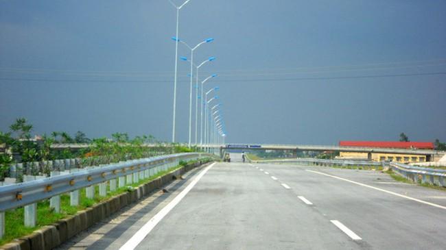 Bán thầu chui trên dự án đường Hồ Chí Minh