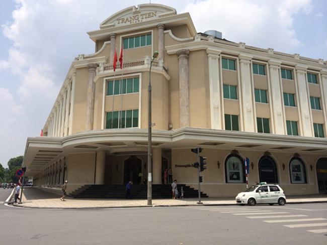 Trung tâm thương mại nhìn từ Tràng Tiền Plaza