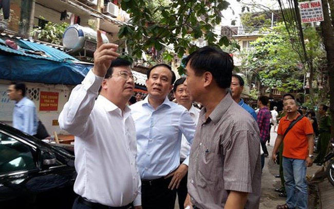 Bộ trưởng Xây dựng làm việc với Hà Nội về cải tạo chung cư cũ