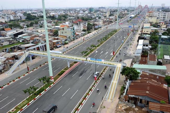 TP.HCM: Đường Phạm Văn Đồng 12 làn xe chính thức thông xe