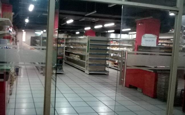 Trung tâm thương mại đìu hiu và nỗi buồn mất chợ truyền thống