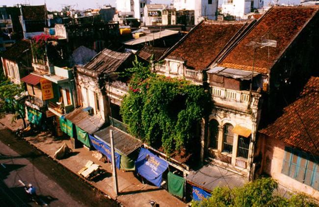 Nhà trong khu phố cổ trên 70m2 phải làm sân, trồng cây