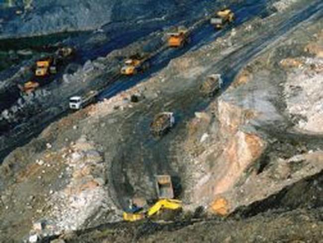 Bảo vệ môi trường trong khai thác than: Một TKV - không đủ