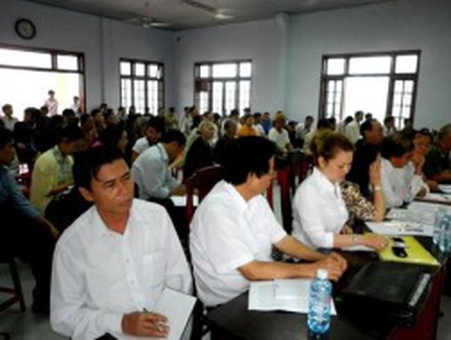 Sau đối thoại, người dân vẫn không cho nhà máy thép Việt Pháp hoạt động