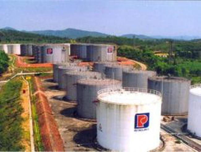 Petrolimex lỗ, lương công ty mẹ 20,96 triệu đồng
