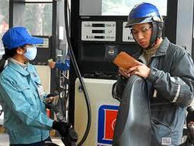 VCSC: Biến động giá xăng dầu và CPI tháng 3/2013