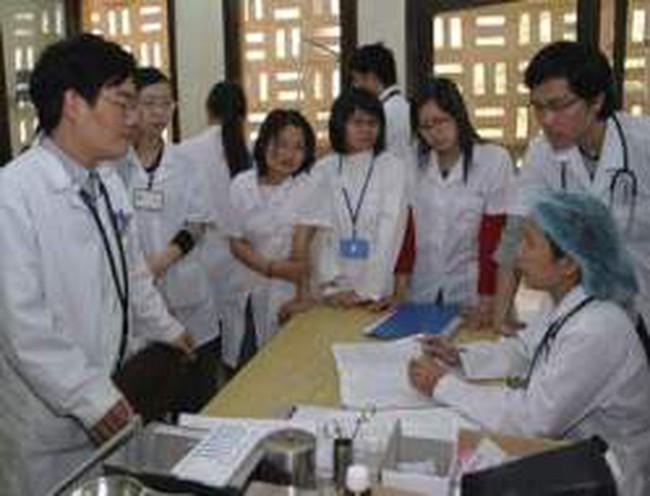 Điều chỉnh mức thu một số loại phí, lệ phí trong lĩnh vực y, dược